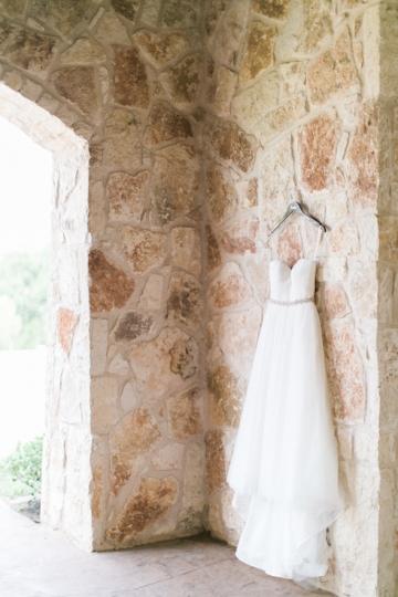 white-and-blush-wedding-at-tuscany-hill-03