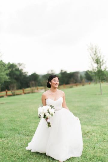 white-and-blush-wedding-at-tuscany-hill-12