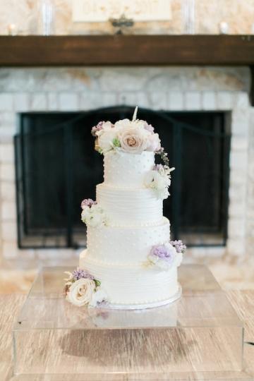 white-and-blush-wedding-at-tuscany-hill-16