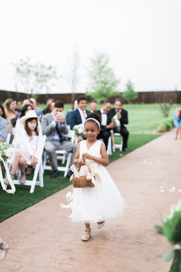 white-and-blush-wedding-at-tuscany-hill-19