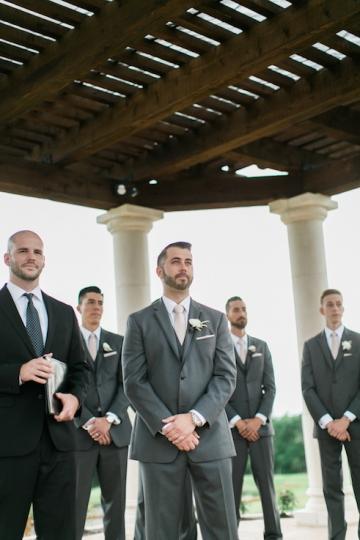 white-and-blush-wedding-at-tuscany-hill-20