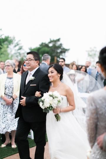white-and-blush-wedding-at-tuscany-hill-21