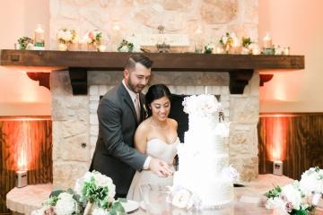white-and-blush-wedding-at-tuscany-hill-27