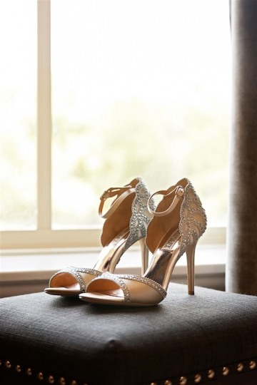 elegant_traditional_blush_wedding_at_bella_donna_chapel_and_the_sanctuary_in_mckinney_texas_02