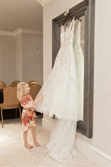 elegant_traditional_blush_wedding_at_bella_donna_chapel_and_the_sanctuary_in_mckinney_texas_04