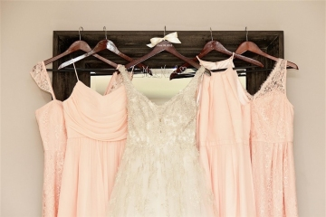 elegant_traditional_blush_wedding_at_bella_donna_chapel_and_the_sanctuary_in_mckinney_texas_05
