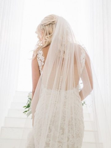 white-and-blue-wedding-at-the-grand-ivory-08