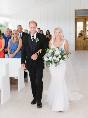 white-and-blue-wedding-at-the-grand-ivory-18
