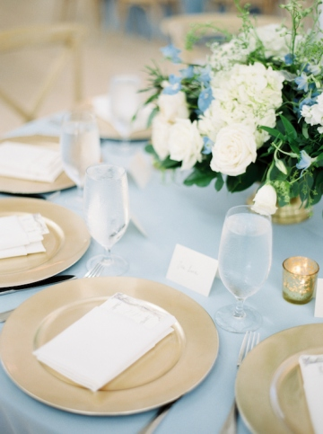 white-and-blue-wedding-at-the-grand-ivory-28