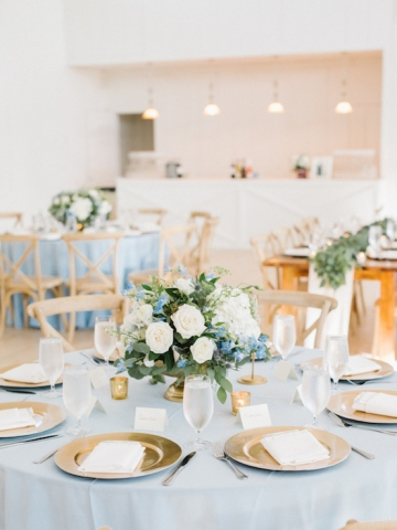white-and-blue-wedding-at-the-grand-ivory-33