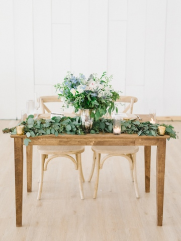 white-and-blue-wedding-at-the-grand-ivory-35