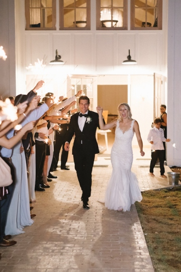 white-and-blue-wedding-at-the-grand-ivory-40