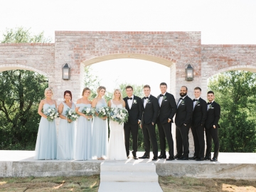 white-and-blue-wedding-at-the-grand-ivory-11