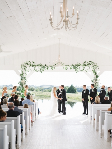 white-and-blue-wedding-at-the-grand-ivory-20
