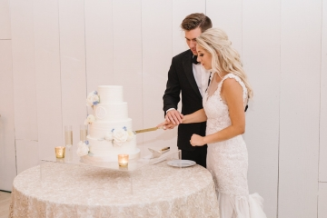 white-and-blue-wedding-at-the-grand-ivory-39