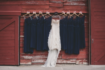 rustic_navy_and_ivory_wedding_at_rustic_grace_estates_in_north_texas_02