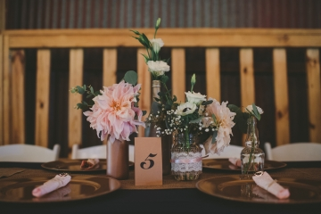 rustic_navy_and_ivory_wedding_at_rustic_grace_estates_in_north_texas_07