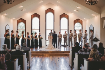rustic_navy_and_ivory_wedding_at_rustic_grace_estates_in_north_texas_17