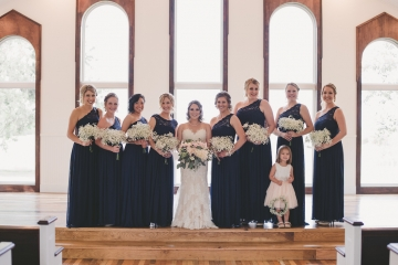 rustic_navy_and_ivory_wedding_at_rustic_grace_estates_in_north_texas_20