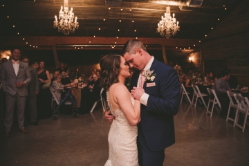 rustic_navy_and_ivory_wedding_at_rustic_grace_estates_in_north_texas_25