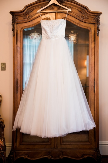 Dallas-Wedding-Planner-Perkins-Chapel-Belo-Mansion-White-and-Colorful-Floral-Wedding-04