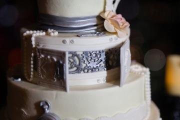 Dallas-Wedding-Planner-Tower-Club-Red-and-Black-Wedding-08
