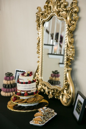 gatsby_inspired_purple_black_and_white_wedding_at_the_pearl_at_sabine_creek_in_rockwall_texas_17