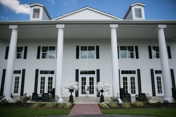 gatsby_inspired_purple_black_and_white_wedding_at_the_pearl_at_sabine_creek_in_rockwall_texas_19