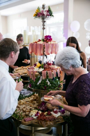 gatsby_inspired_purple_black_and_white_wedding_at_the_pearl_at_sabine_creek_in_rockwall_texas_23