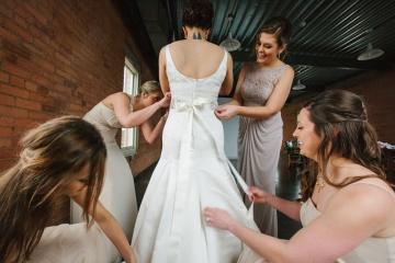 Dallas-Wedding-Planner-The-Filter-Building-Blue-and-Gold-Wedding-Fun-Food-Truck-Wedding-13