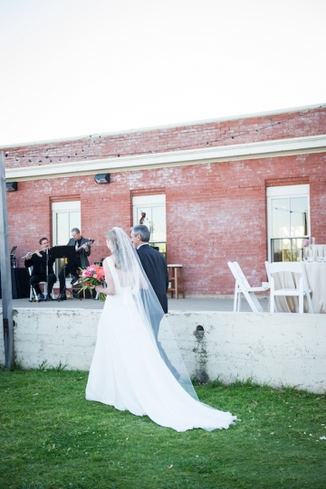 modern_pink_and_grey_wedding_at_the_filter_building_in_dallas_texas_20
