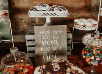 moody-romantic-maroon-ivory-wedding-at-stone-crest-venue-in-mckinney-texas-19