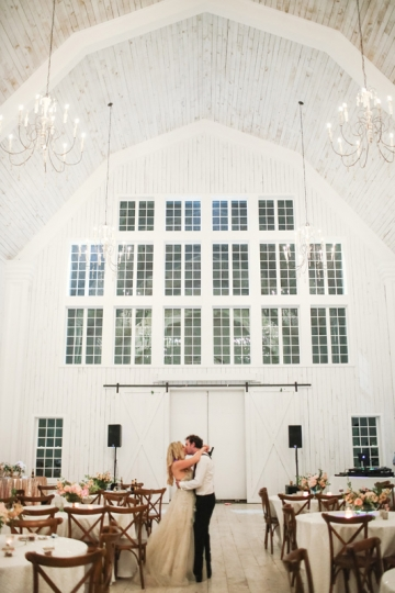 Dallas-Wedding-Planner-The-White-Sparrow-Barn-Blush-Pink-Wedding-54