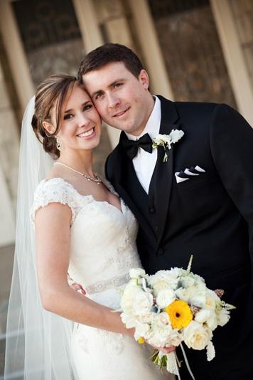 Dallas-Wedding-Planner-Room-on-Main-White-Winter-Wedding-01