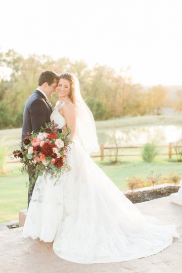 burgundy-blush-and-navy-wedding-at-tuscany-hill-10