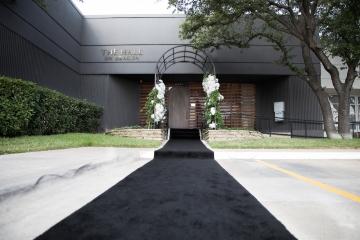 elegant_gold_wedding_at_the_hall_on_dragon_in_dallas_texas_04
