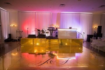elegant_gold_wedding_at_the_hall_on_dragon_in_dallas_texas_23