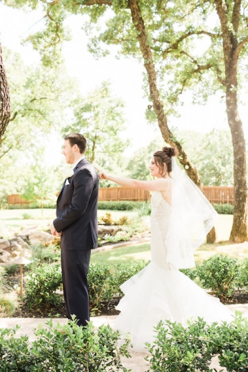 classic_ivory_outdoor_wedding_at_the_springs_denton_in_texas_04
