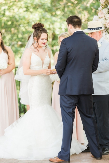 classic_ivory_outdoor_wedding_at_the_springs_denton_in_texas_10