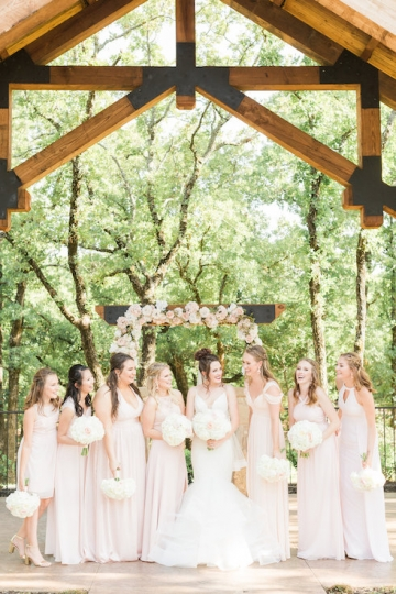 classic_ivory_outdoor_wedding_at_the_springs_denton_in_texas_15