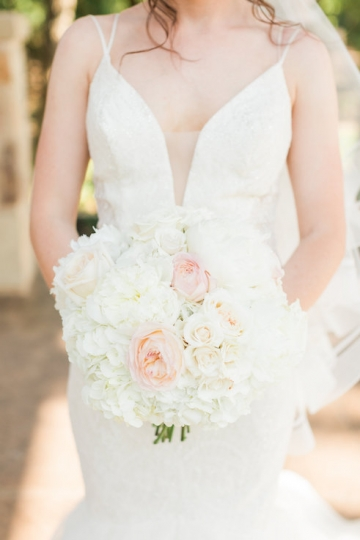 classic_ivory_outdoor_wedding_at_the_springs_denton_in_texas_16