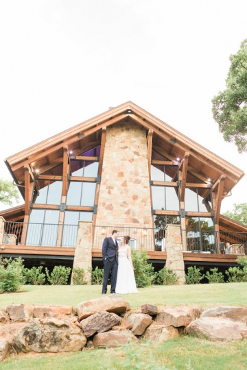 classic_ivory_outdoor_wedding_at_the_springs_denton_in_texas_18