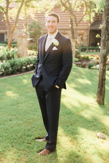 classic_ivory_outdoor_wedding_at_the_springs_denton_in_texas_20