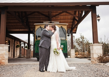McKinney-Wedding-Planner-The-Springs-McKinney-Heritage-Springs-Stone-Hall-Mint-Green-Rustic-Wedding-07