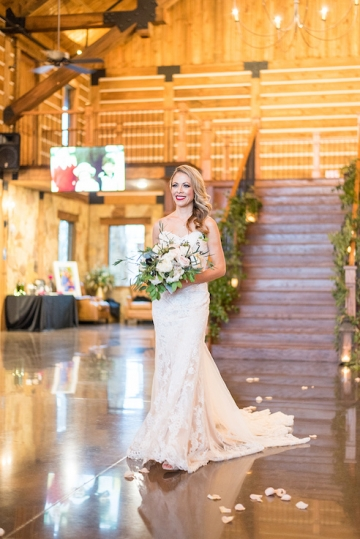 ivory_and_red_wedding_at_the_springs_denton_31