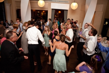 Dallas-Wedding-Planner-Watermark-Church-Wedding-and-Mi-Piaci-Restaurant-Mint-and-Coral-Wedding-15