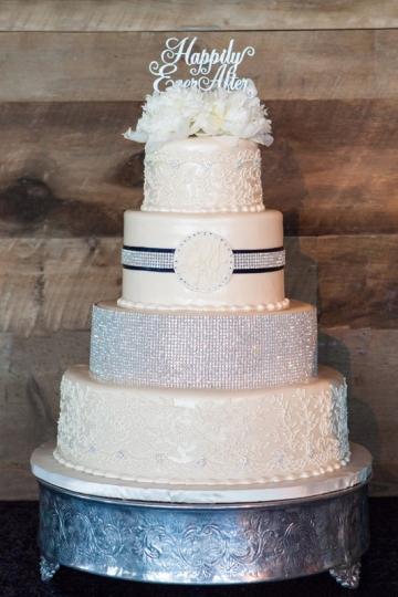 McKinney-Wedding-Planner-Stone-Crest-Venue-Silver-Sequin-and-Blue-Wedding-34