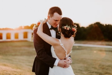 boho_country_gold_orange_and_ivory_wedding_at_the_grand_ivory_in_mckinney_texas_35