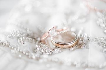 blush-burgundy-and-navy-wedding-at-hidden-pines-chapel-02
