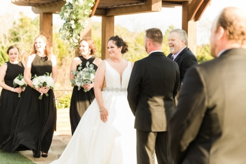 white-black-and-green-wedding-at-stone-crest-venue-09